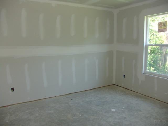 450 Hilburn Ln, Pensacola, FL 32504
