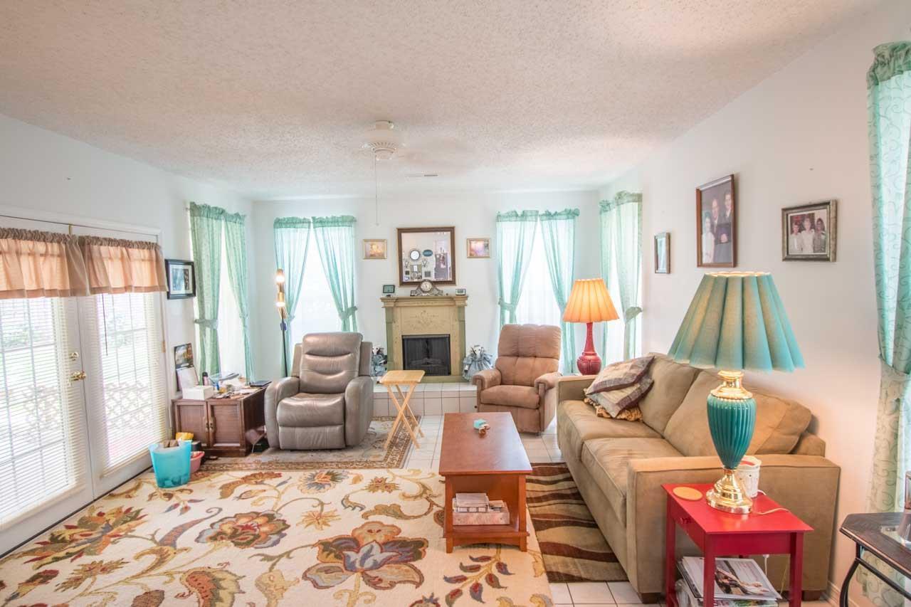 537 Quail Nest Ln, Pensacola, FL 32514