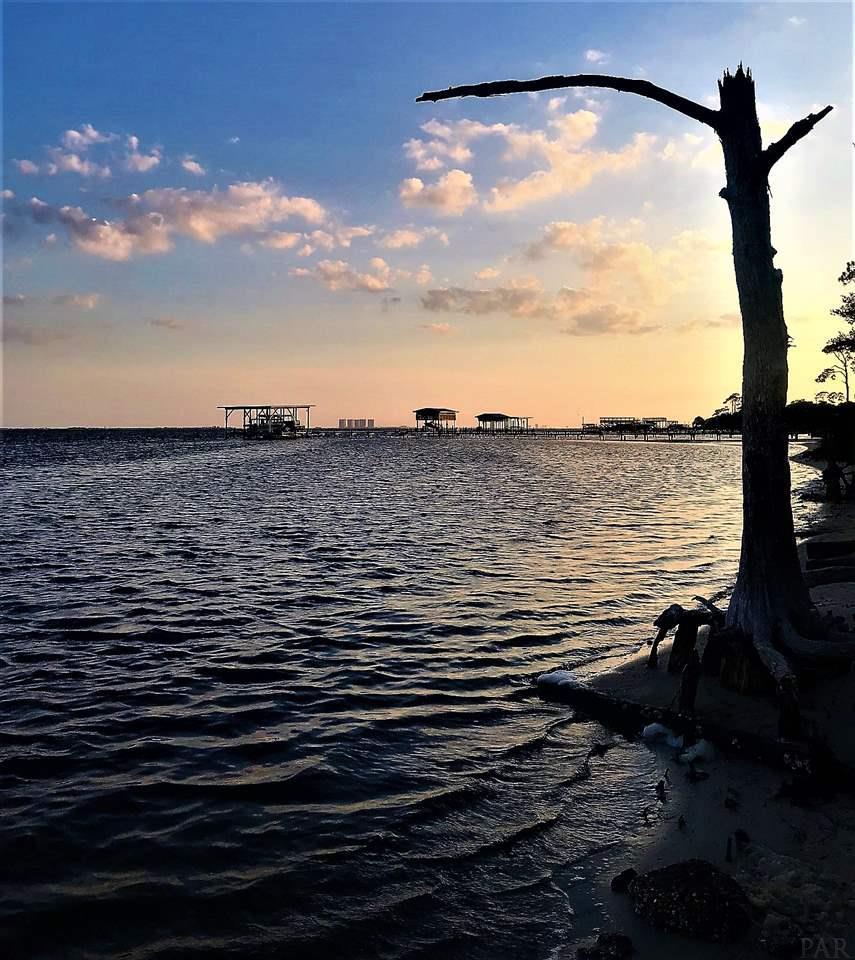 1465 Nantahala Beach Rd, Gulf Breeze, FL 32563