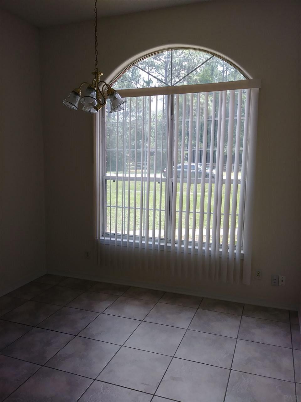 7403 Woodside Rd, Pensacola, FL 32526