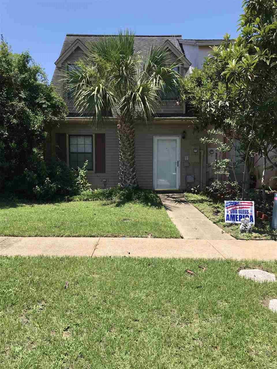 8401 Williamsburg Cir, Pensacola, FL 32514