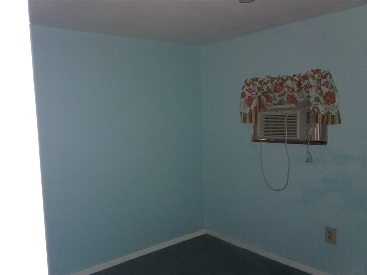 4679 Craig St, Milton, FL 32571