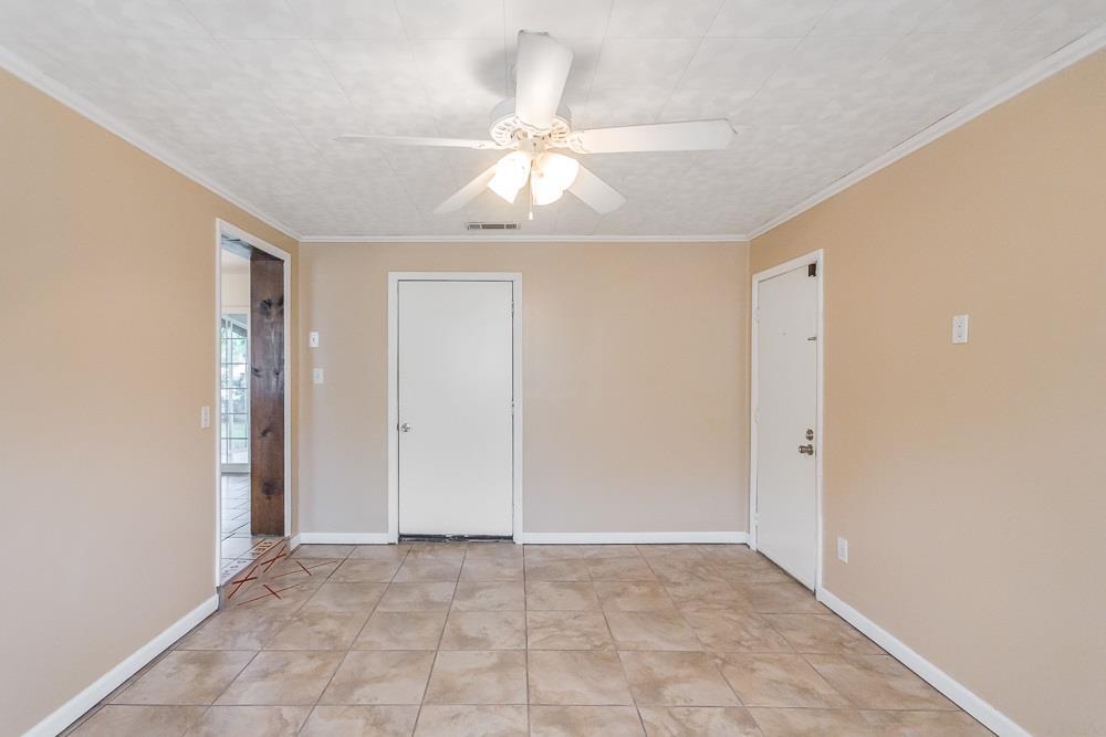 908 Artesian Ave, Pensacola, FL 32505