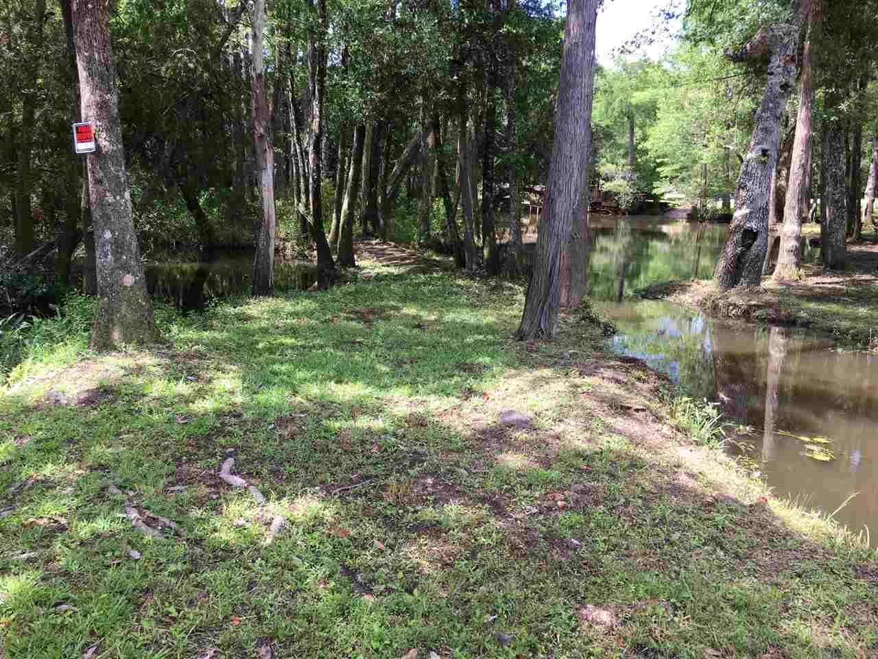 17917 Kingway Rd, Seminole, FL 36574