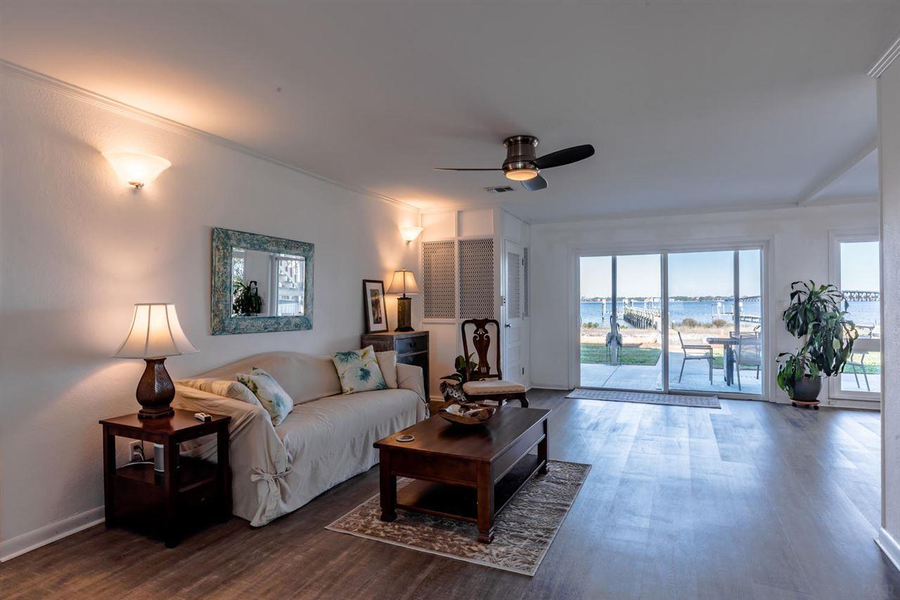 233 Sabine Dr, Pensacola Beach, FL 32561