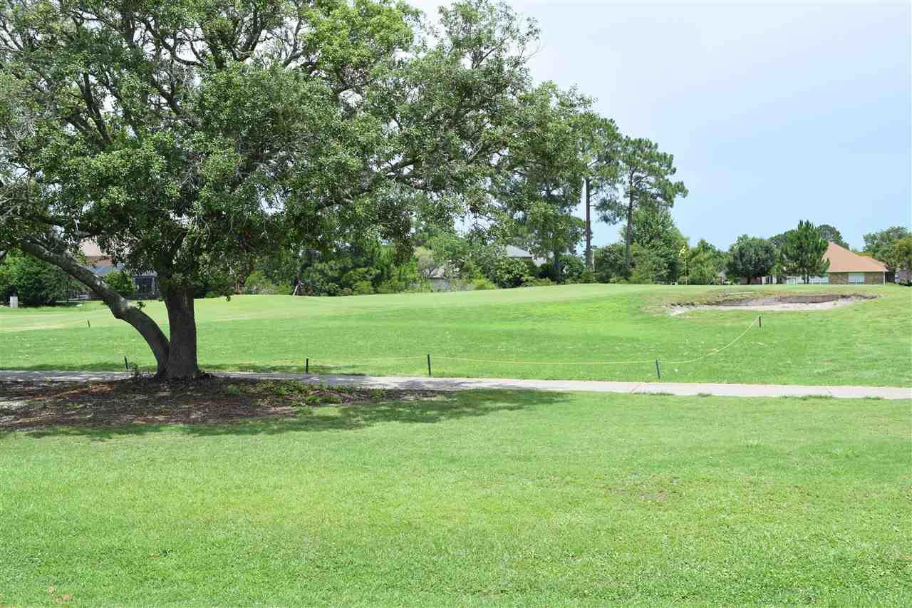 1404 Champions Green Dr, Gulf Breeze, FL 32563