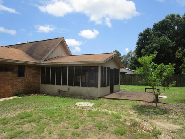2332 Windstone Dr, Pensacola, FL 32526