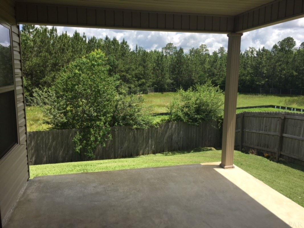 2707 Blackwood Dr, Cantonment, FL 32533