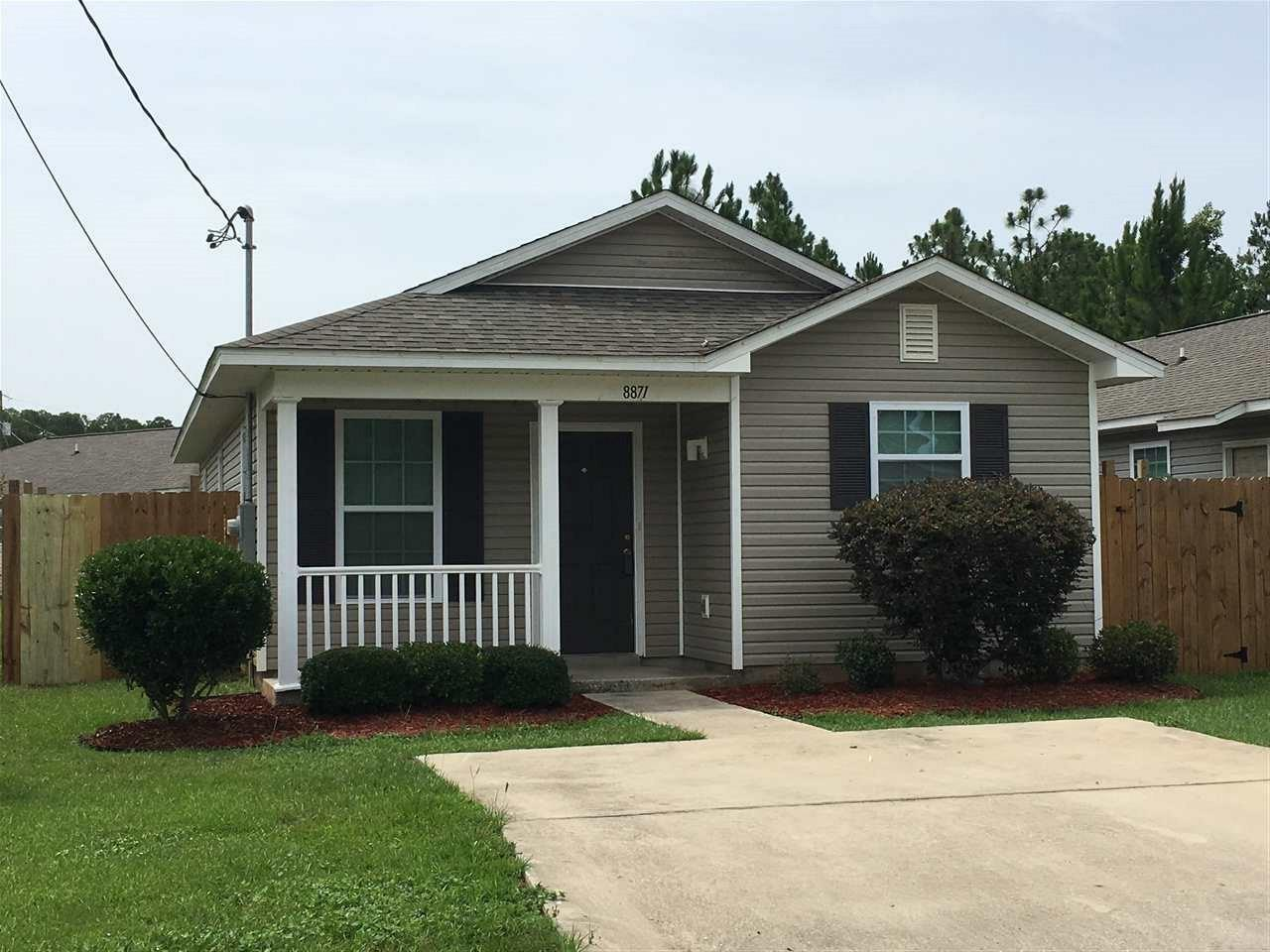 8871 Mary Fleming Dr, Pensacola, FL 32507