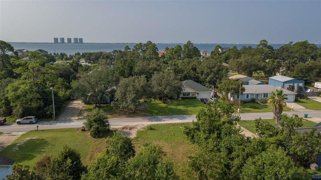 3250 Pins Ln, Gulf Breeze, FL 32563