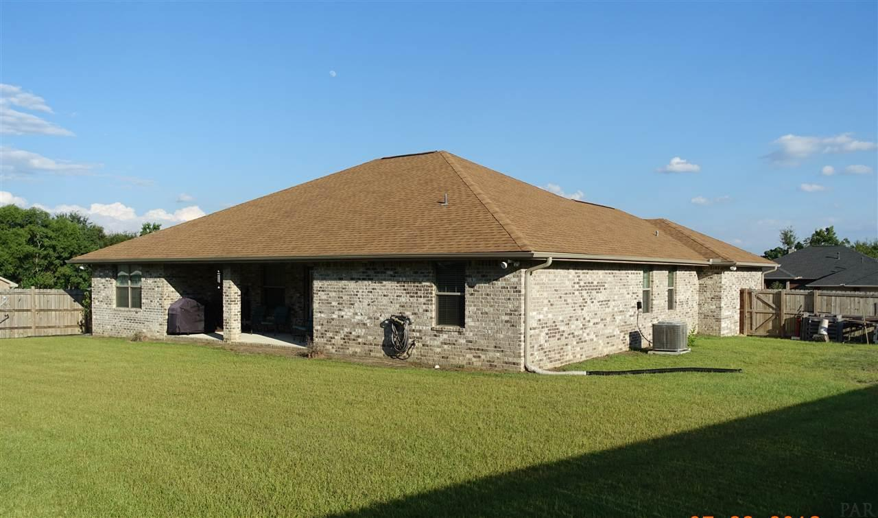 1294 Wadcutter Ct, Cantonment, FL 32533