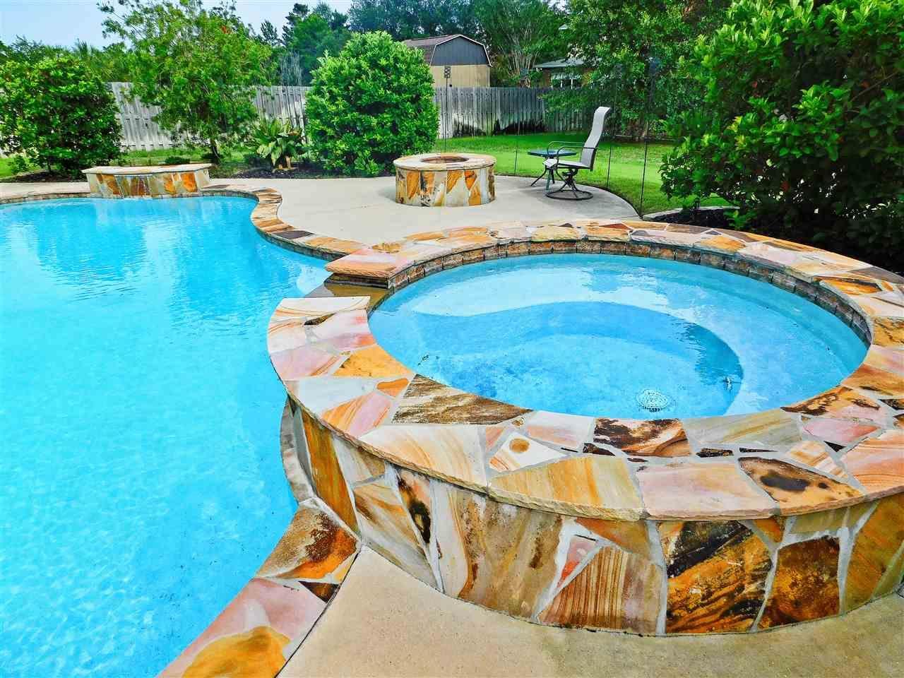 4279 Graceful Ct, Gulf Breeze, FL 32563