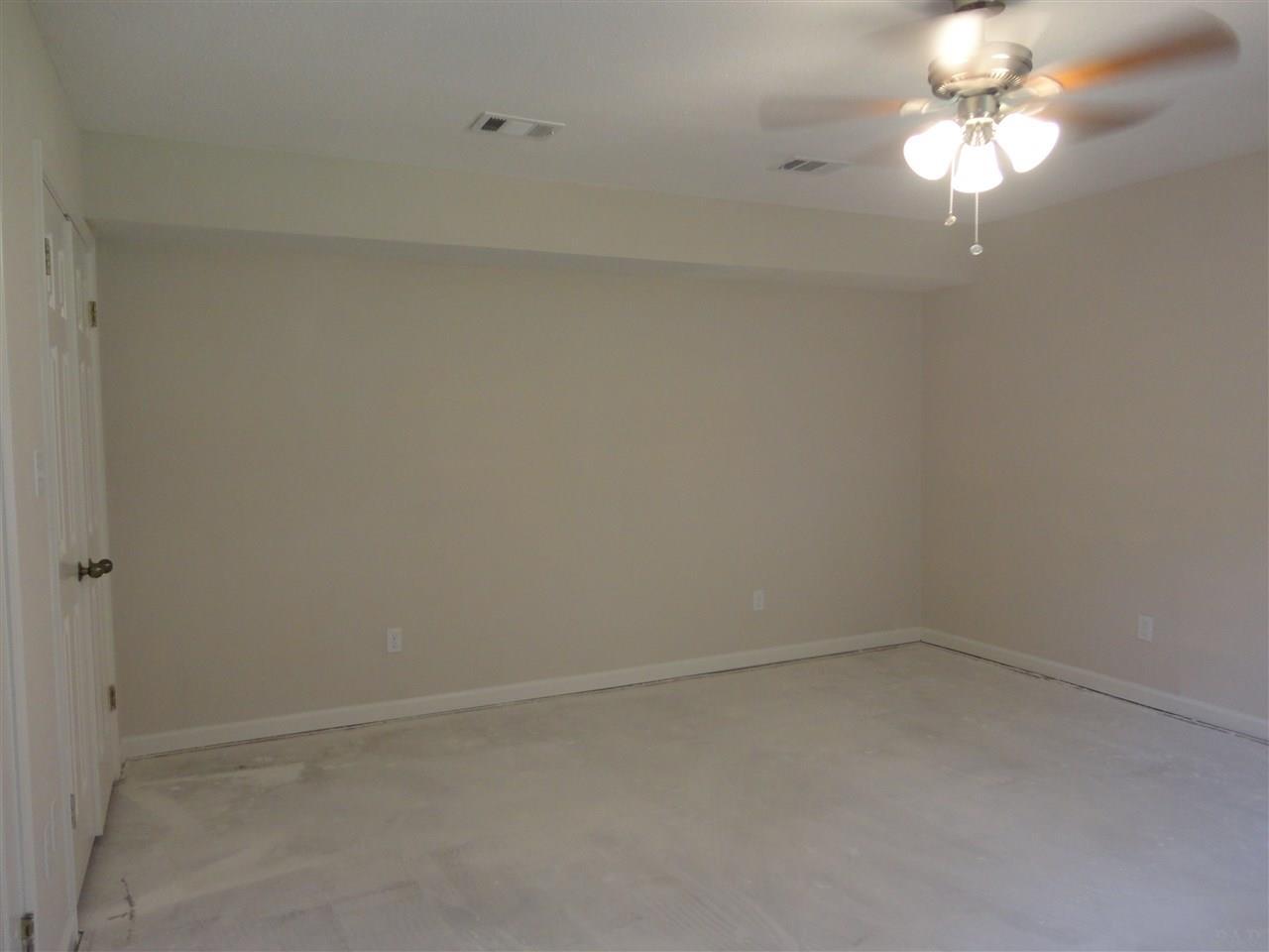 5925 Mandie Ln, Milton, FL 32570