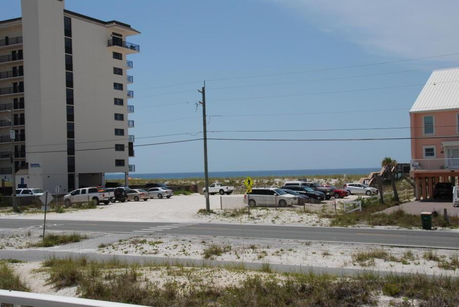 7954 Gulf Blvd, Navarre Beach, FL 32566