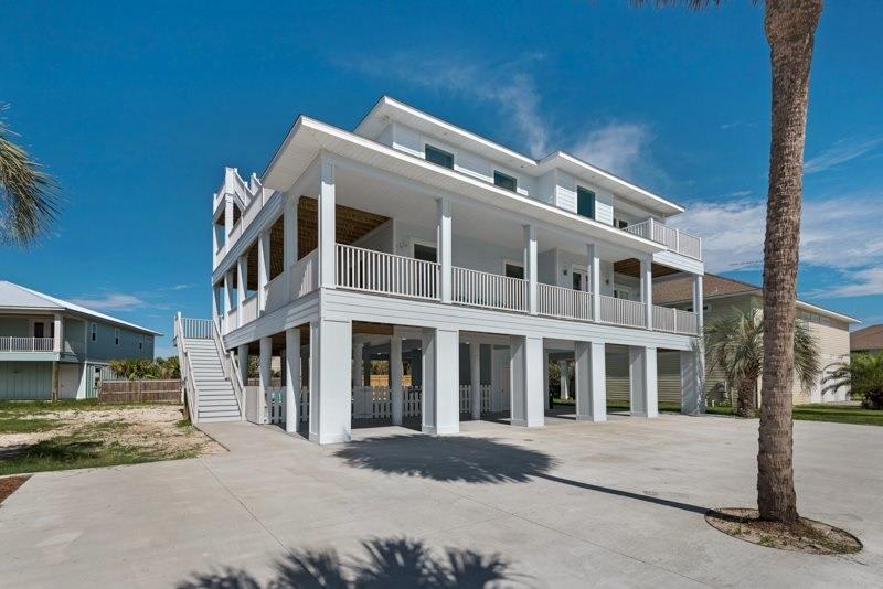 5 Calle Traviesa, Pensacola Beach, FL 32561