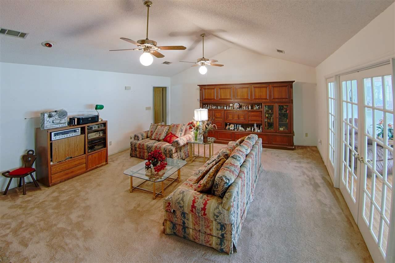 1 Mustin Pl, Pensacola, FL 32506