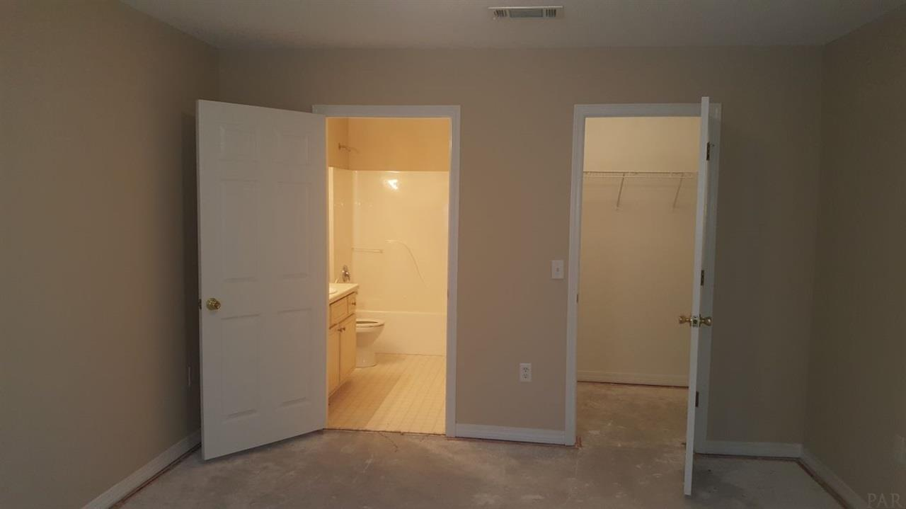 6443 Appaloosa Ave, Milton, FL 32570