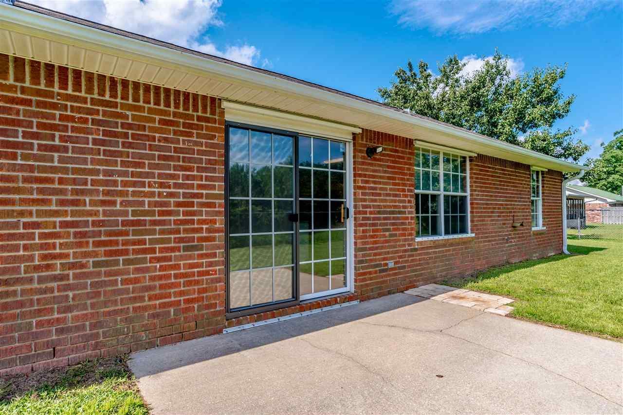898 Ridge View Dr, Pensacola, FL 32514