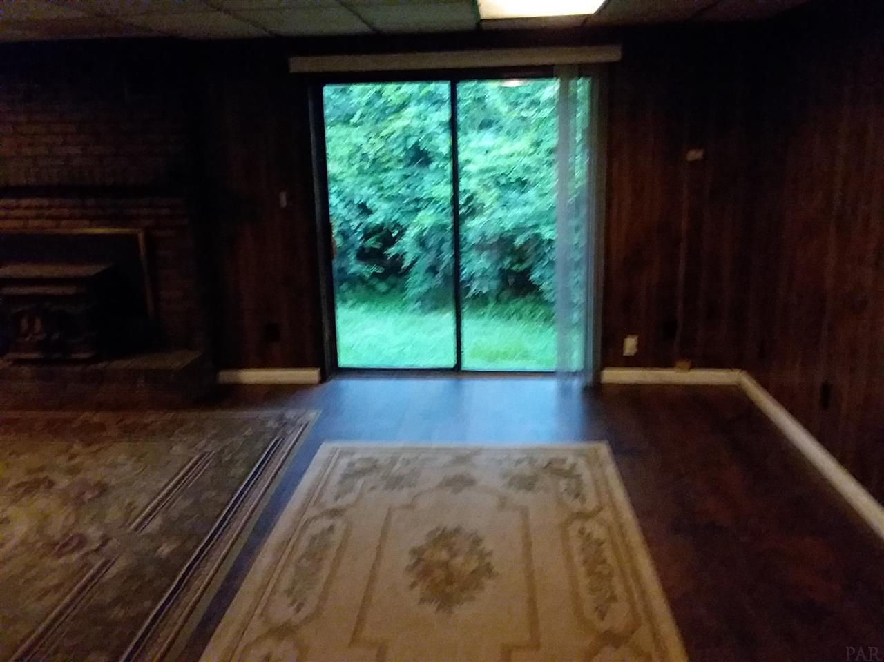 451 Lakeview Ave, Cantonment, FL 32533