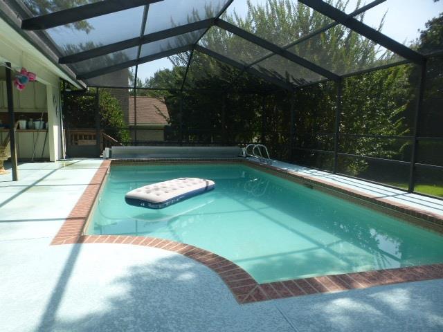 1500 Kings Rd, Cantonment, FL 32533