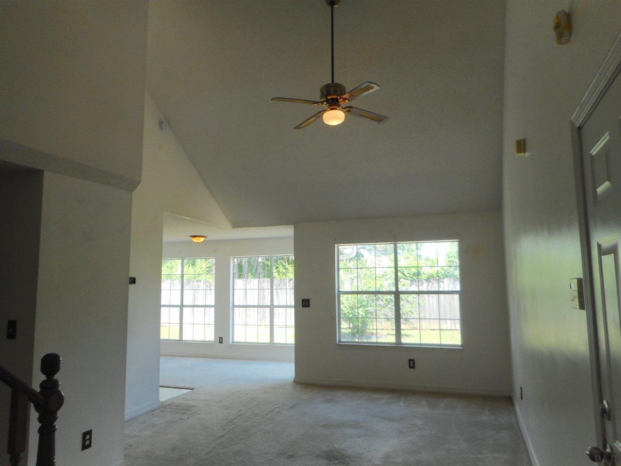 173 Hilburn Ct, Pensacola, FL 32504