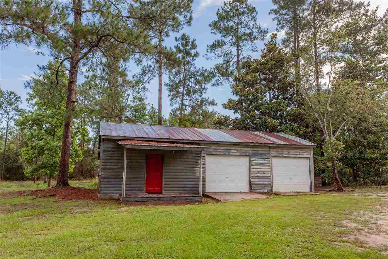 6736 Helms Rd, Pensacola, FL 32526