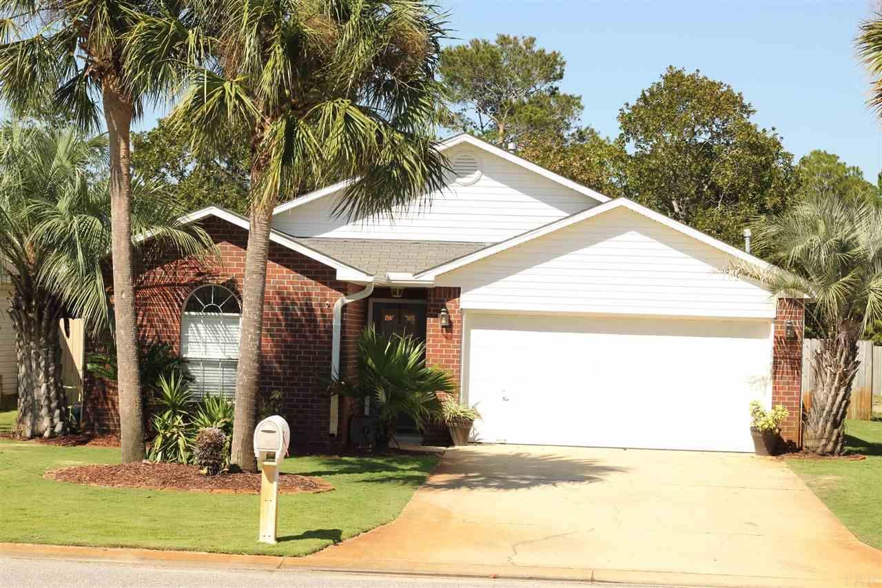 330 Mizzen Ln, Pensacola, FL 32507