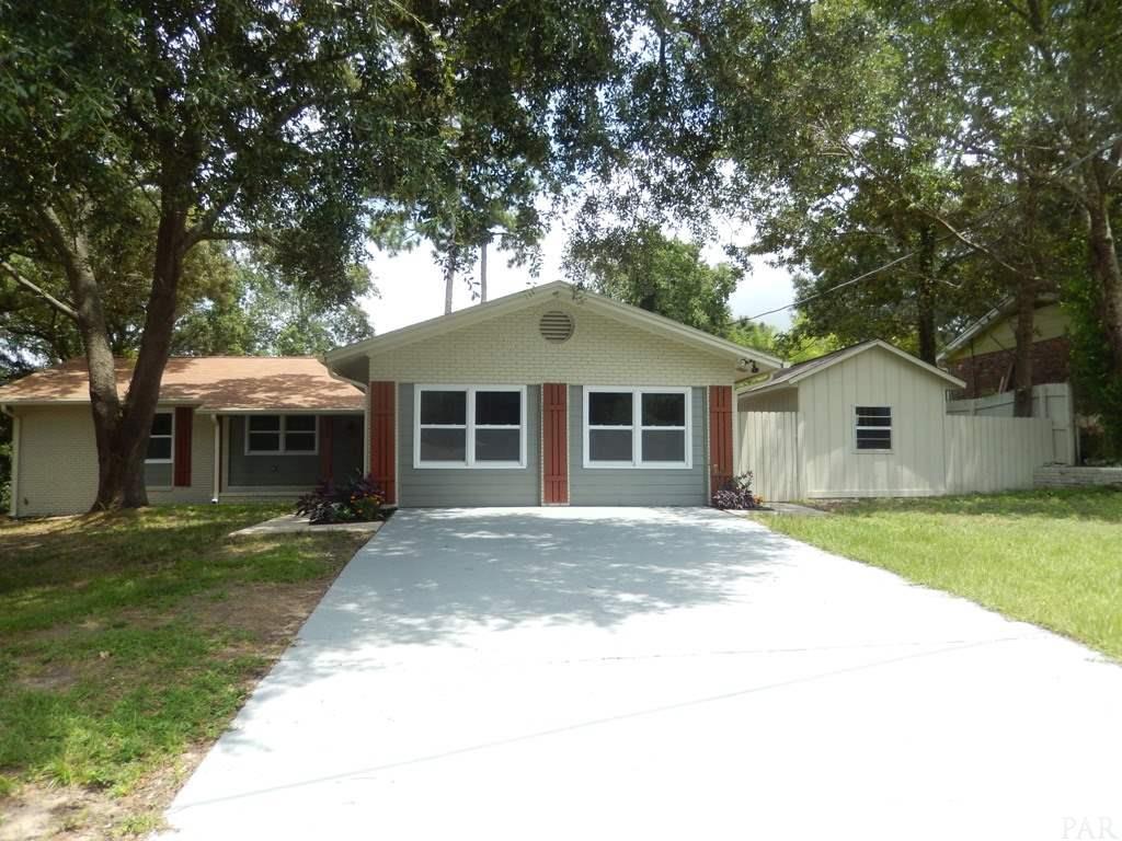 9690 Coachman Ct, Pensacola, FL 32514