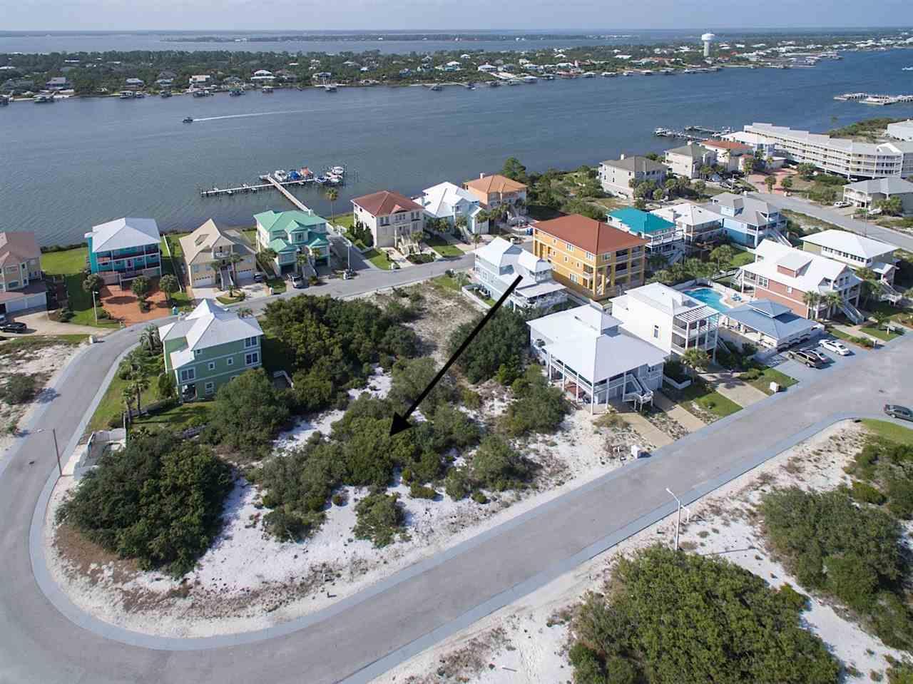 330 Gulfview Ln, Pensacola, FL 32507