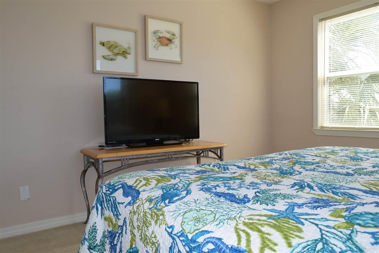 802 Largo Dr, Pensacola Beach, FL 32561