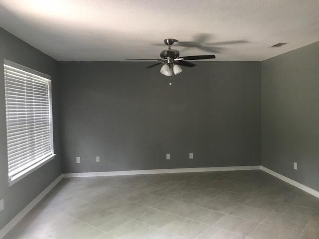 6586 Tampa Dr, Pensacola, FL 32526