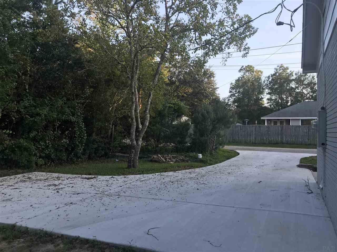 5388 San Miguel St, Milton, FL 32583