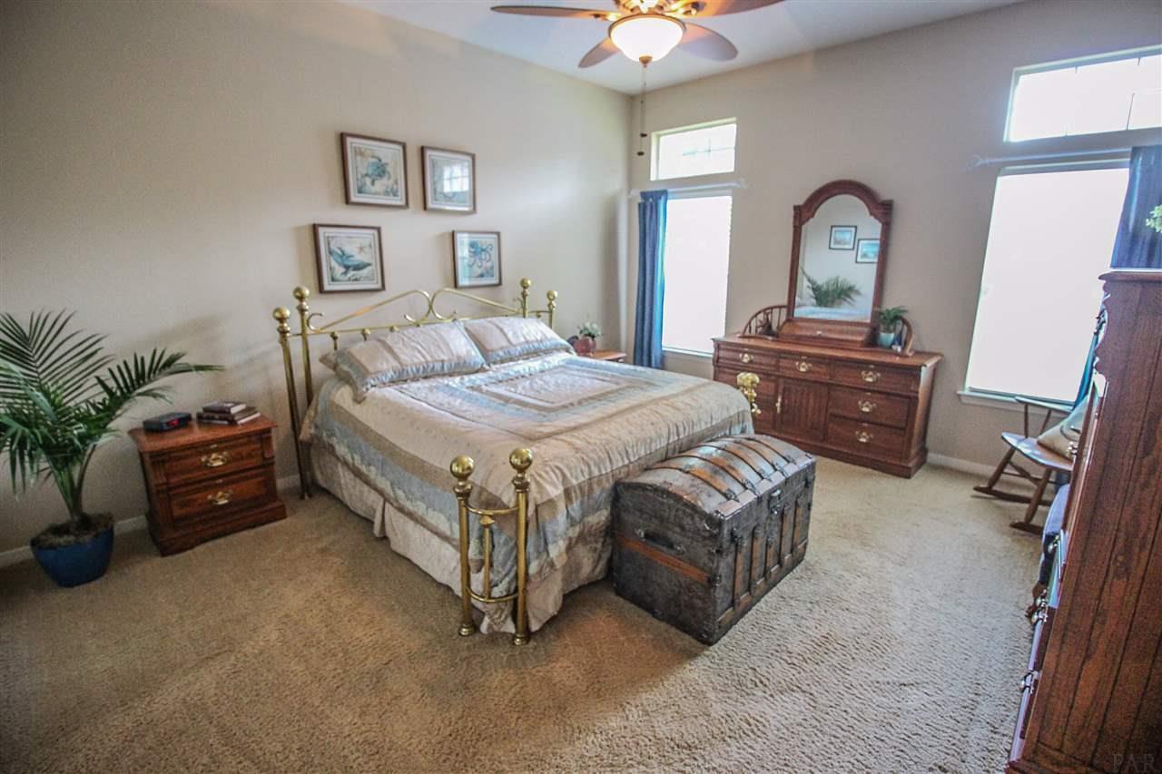 7943 Castle Pointe Way, Pensacola, FL 32506