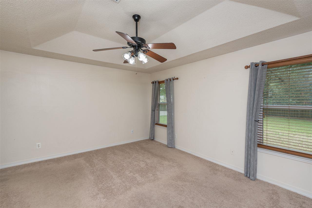 7354 Calle Ln, Navarre, FL 32566