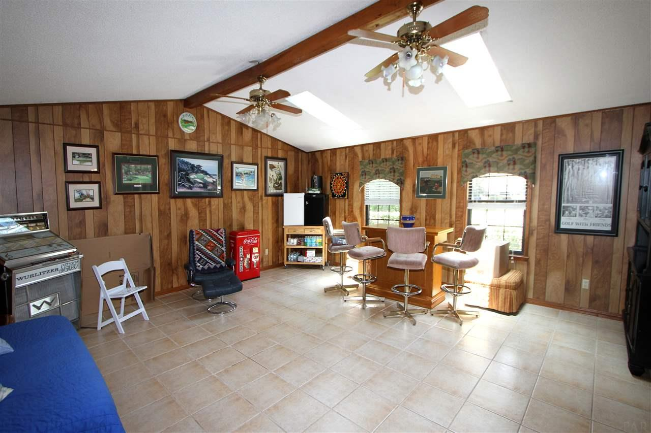 2731 Sunrunner Ln, Gulf Breeze, FL 32563