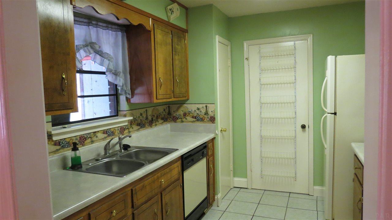 4617 Centerpointe Dr, Pensacola, FL 32514