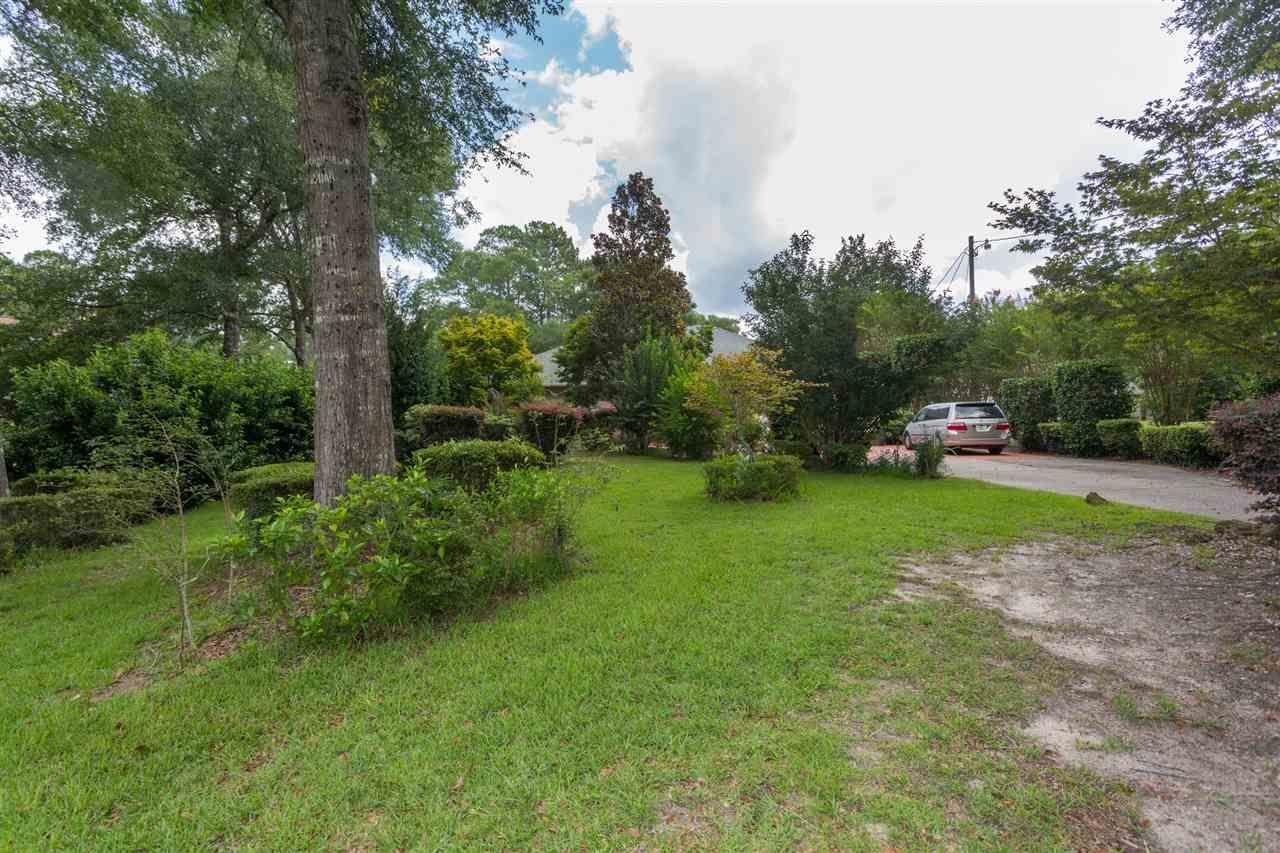 5204 Crystal Creek Dr, Milton, FL 32571