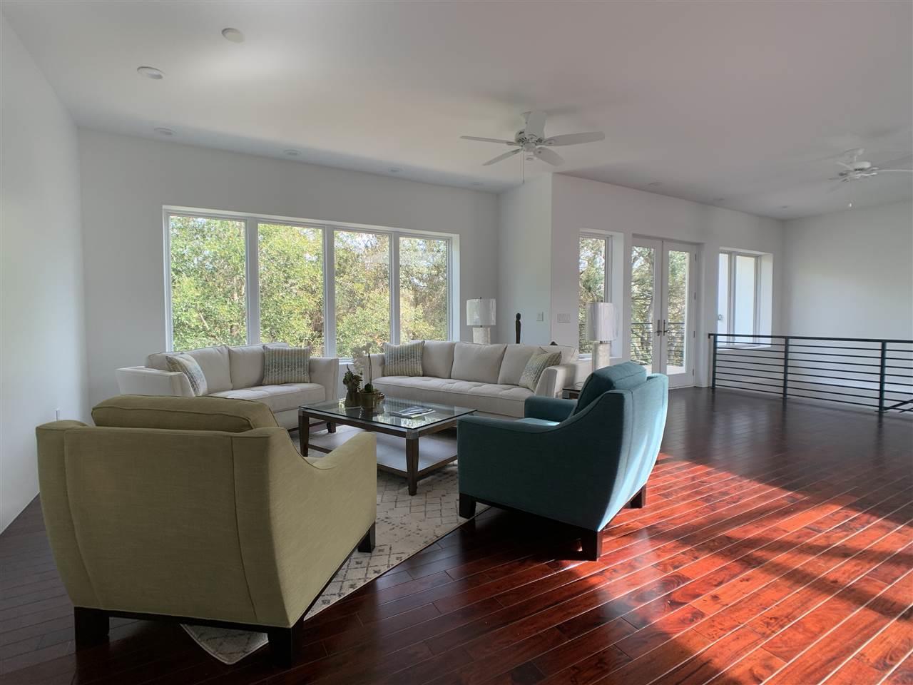 18 Shoreline Pl, Gulf Breeze, FL 32561