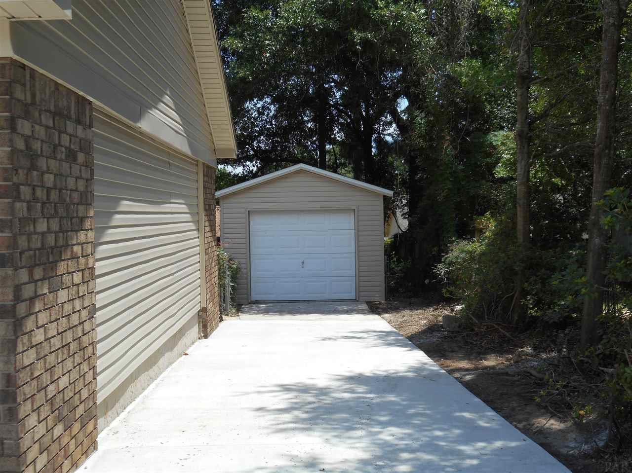 4621 Centerpointe Dr, Pensacola, FL 32514