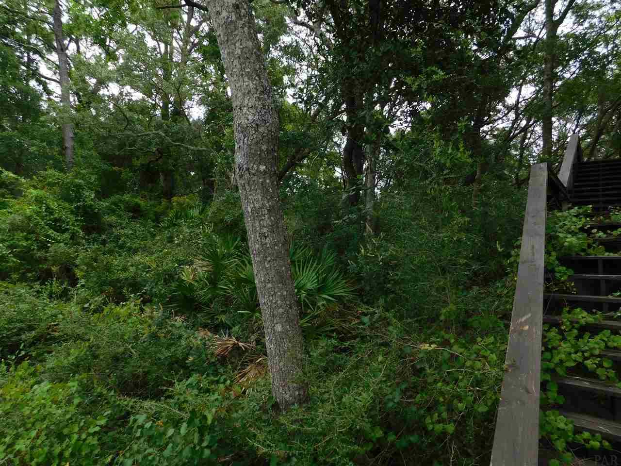 12220 Halcyon Dr, Pensacola, FL 32506
