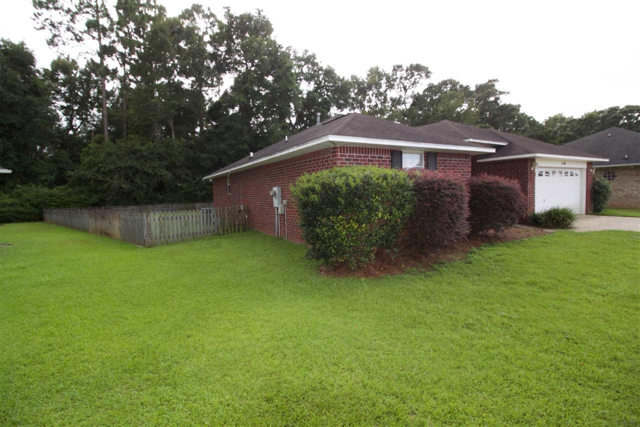 1149 Carla Dr, Cantonment, FL 32533