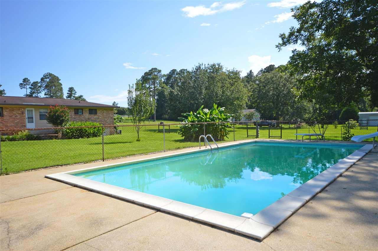 1700 W 9 1/2 Mile Rd, Cantonment, FL 32533