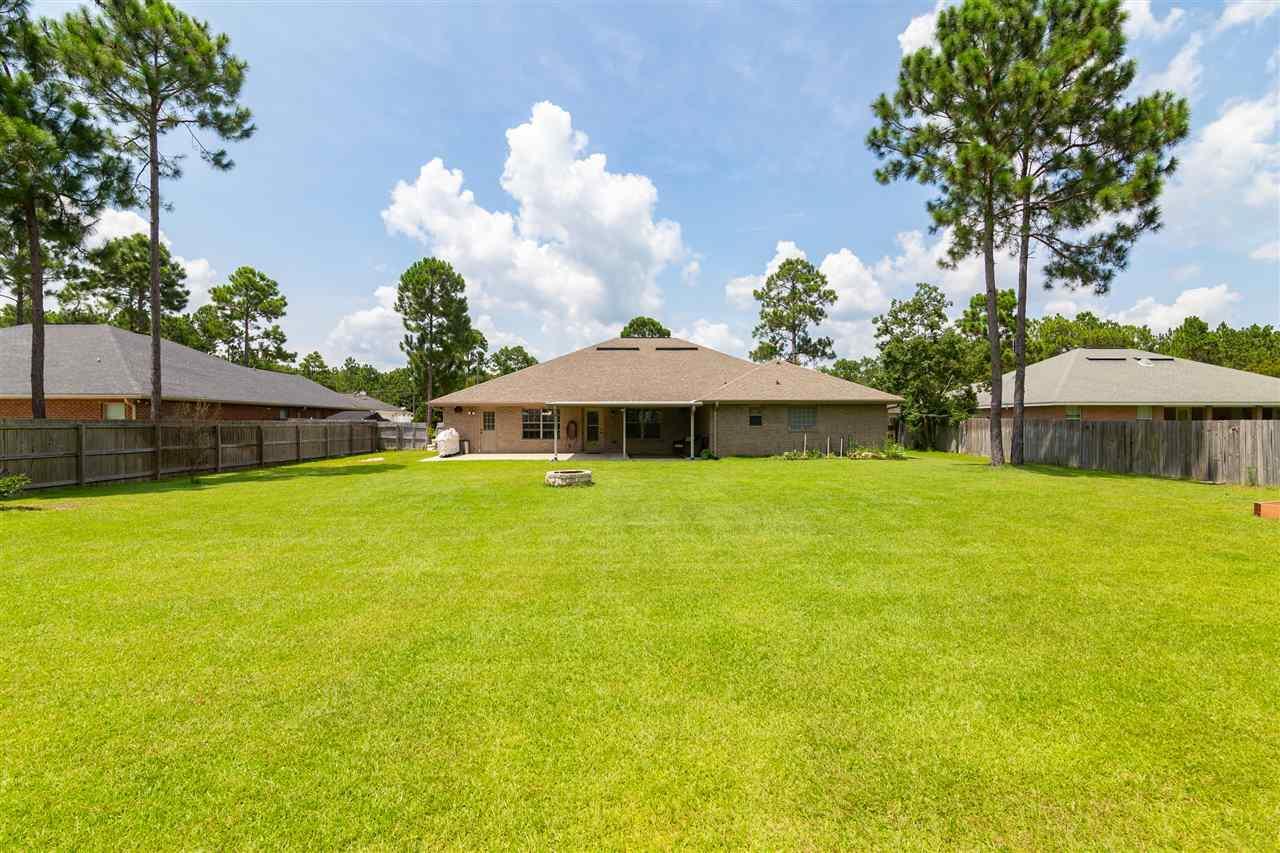 7491 Brewster St, Navarre, FL 32566