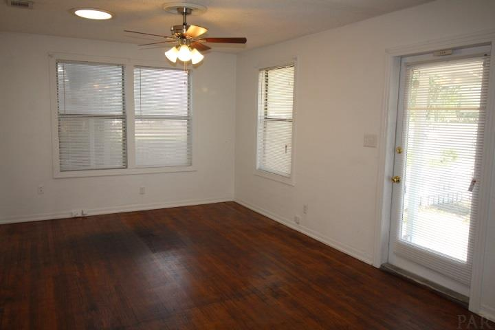 905 N New Warrington Rd, Pensacola, FL 32507