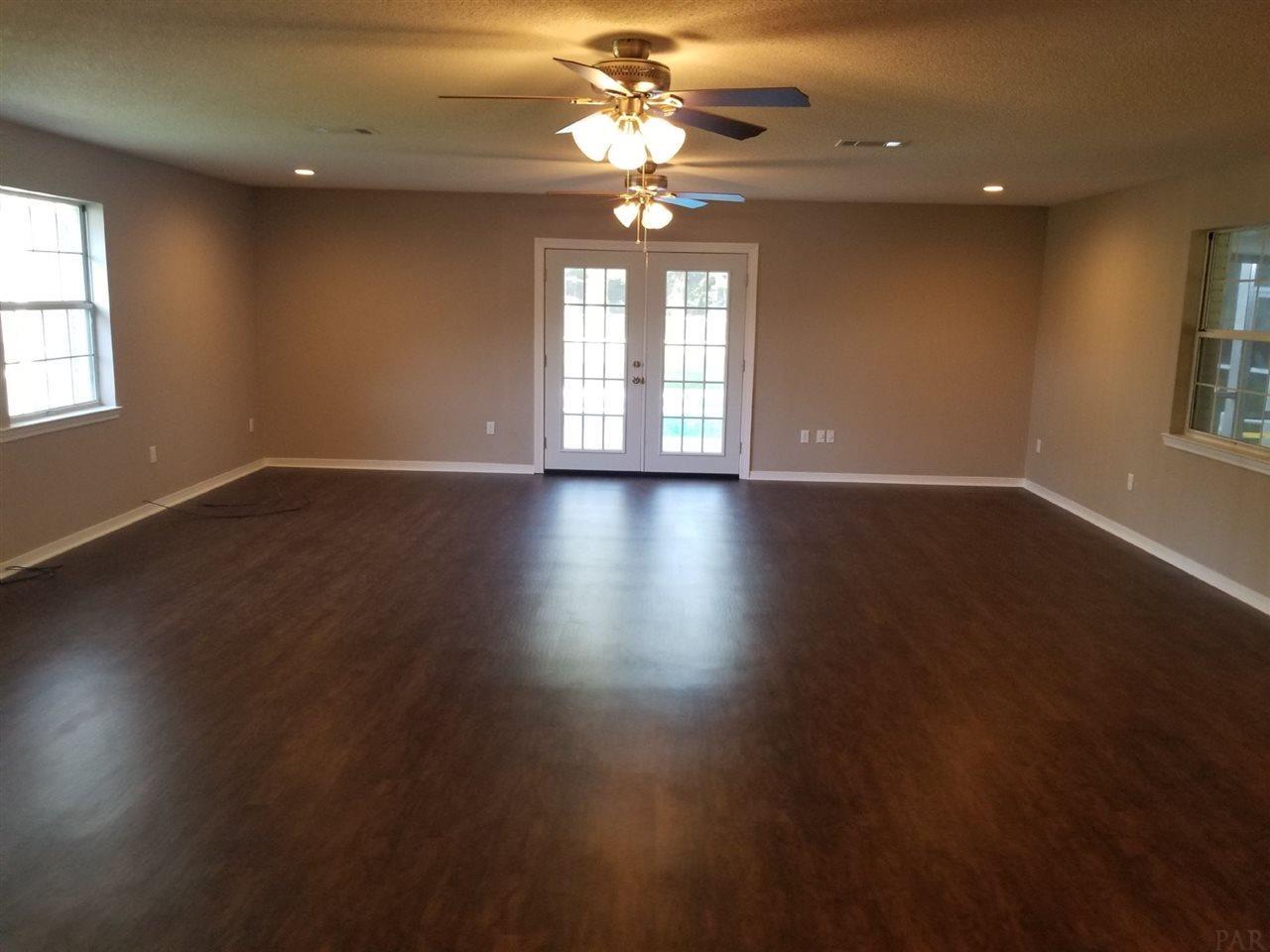 6309 Clegg Rd, Pensacola, FL 32526