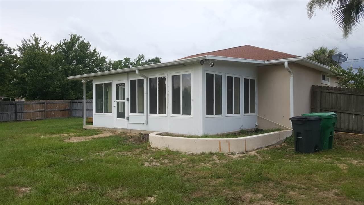 7419 Sandstone St, Navarre, FL 32566
