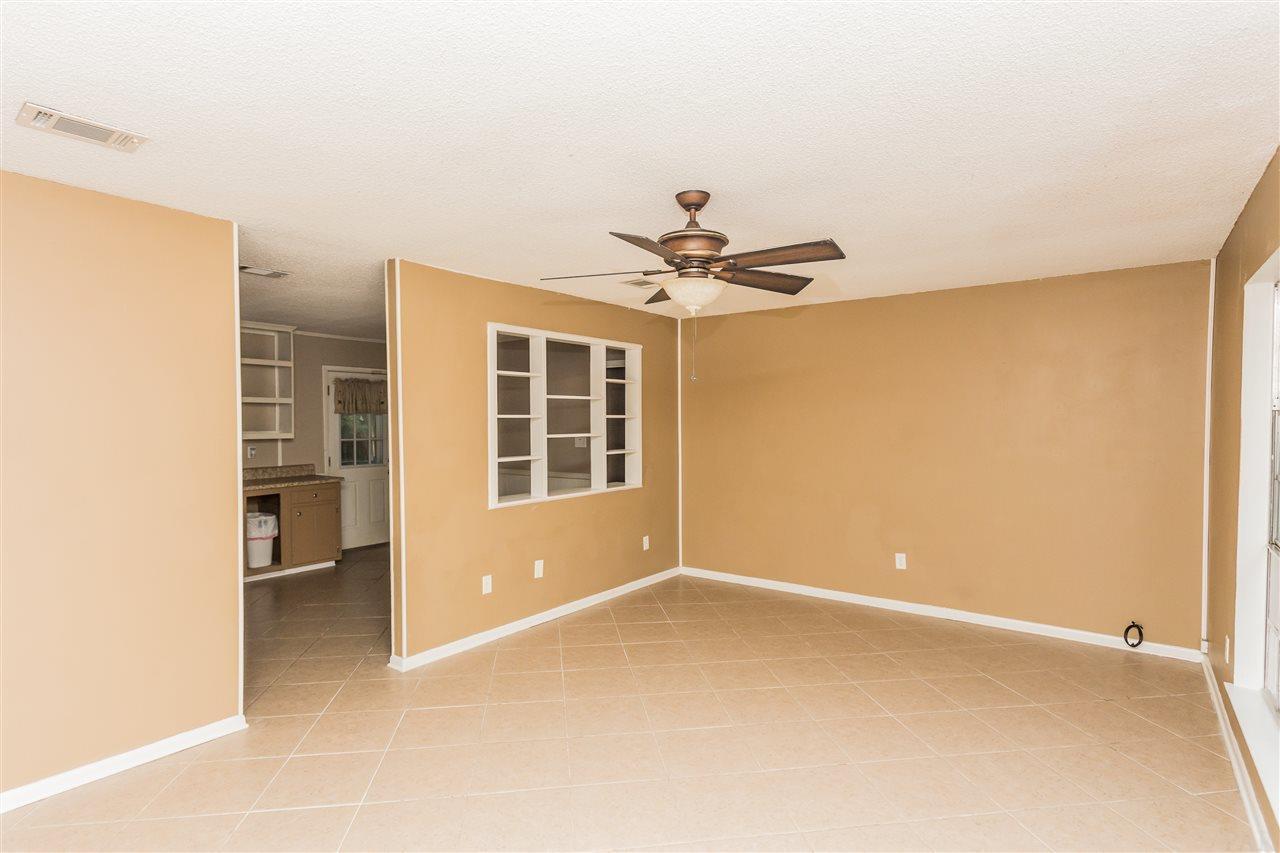 7841 Saltillo St, Pensacola, FL 32526