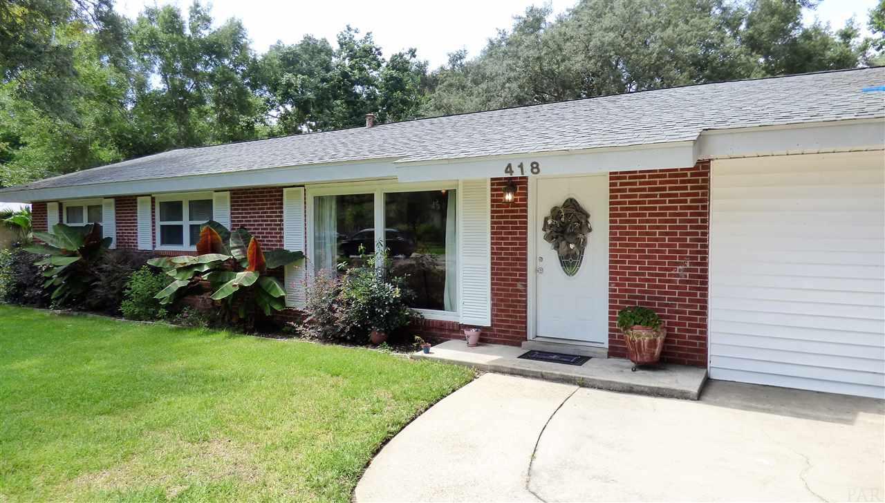 418 Warwick St, Gulf Breeze, FL 32561
