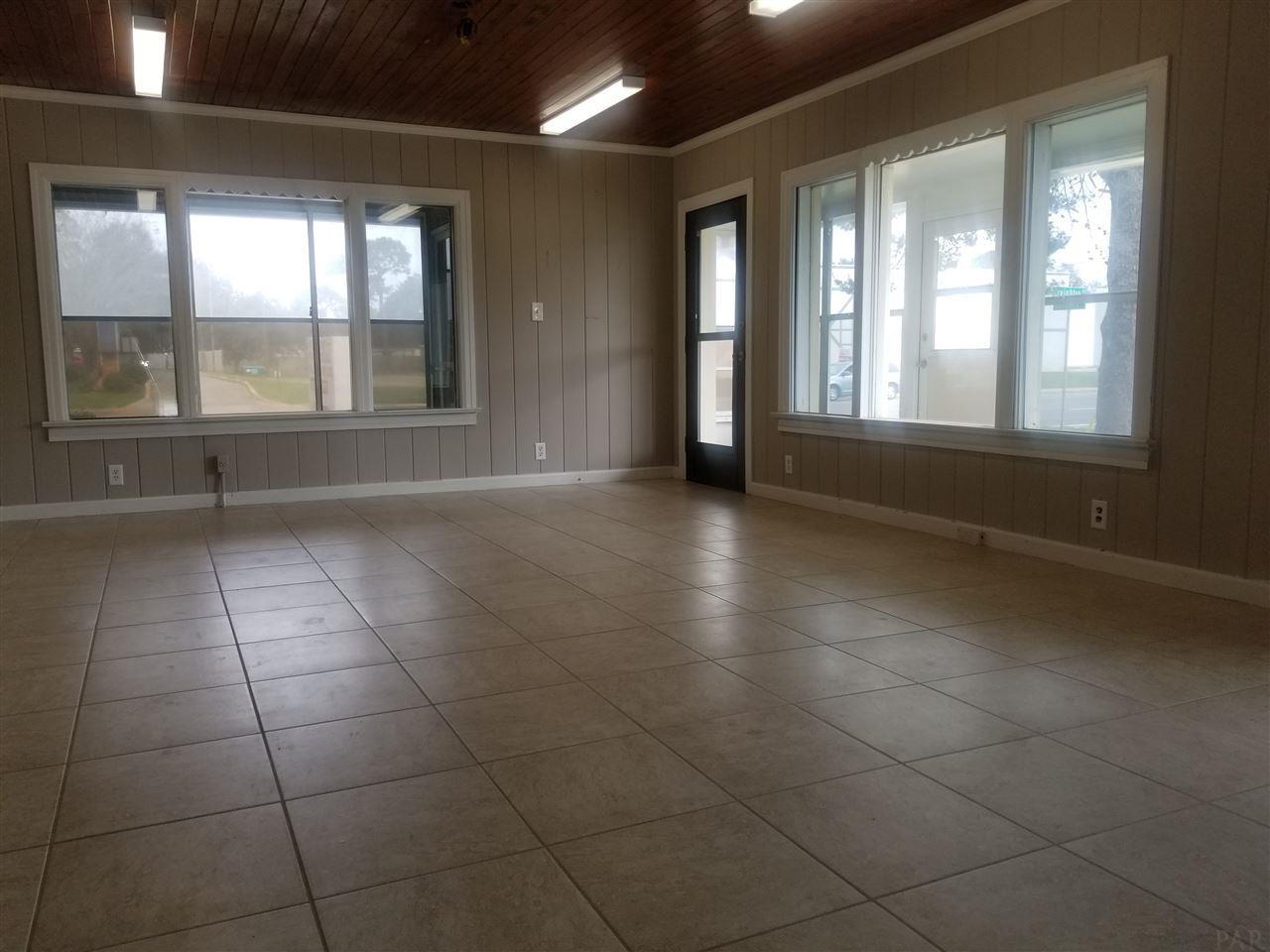 1497 Creighton Rd, Pensacola, FL 32504