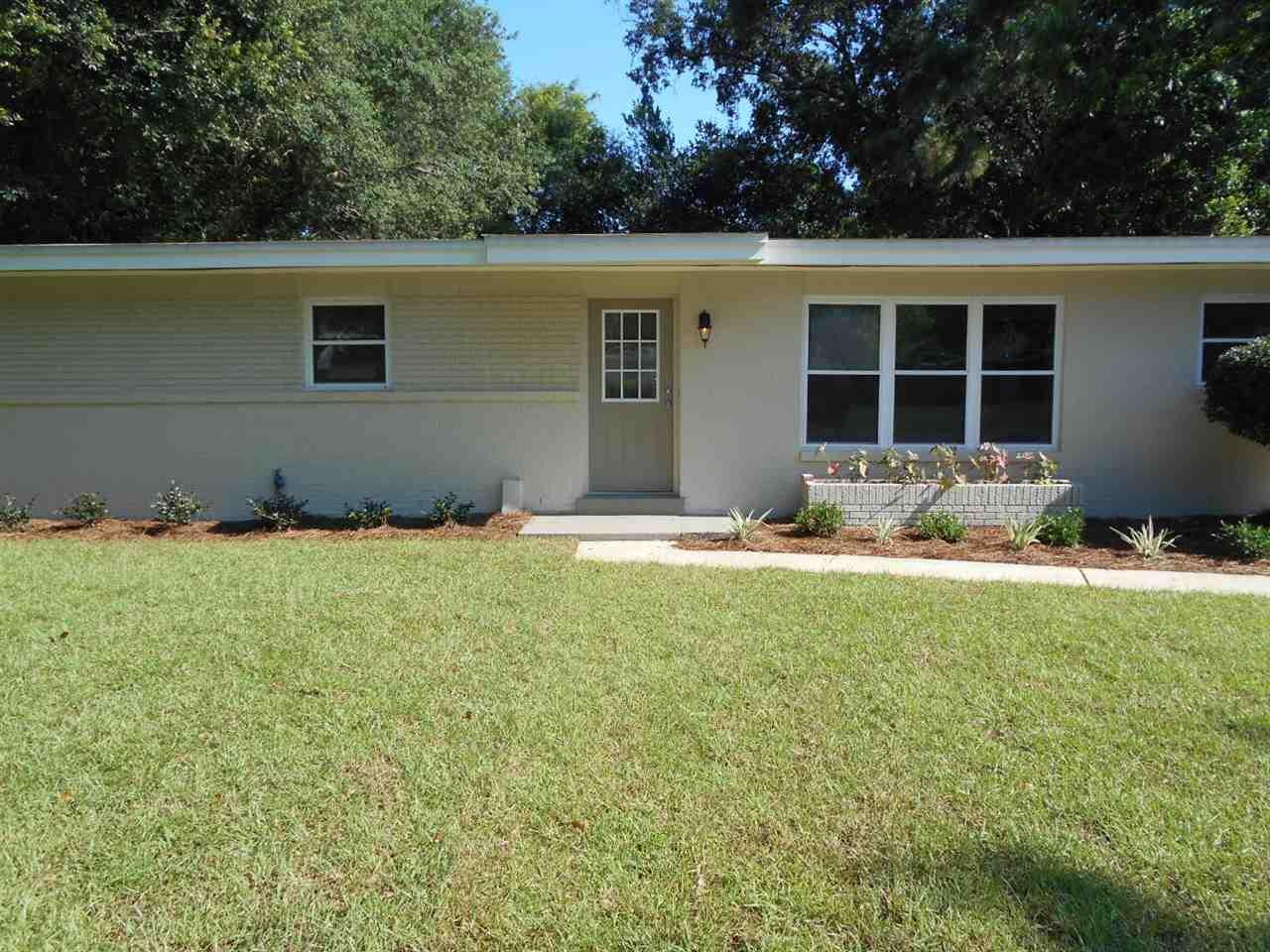 3826 Arbutus Dr, Pensacola, FL 32504